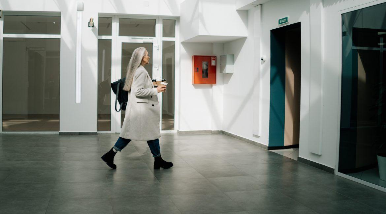 winda w bloku czteropiętrowym zamiast schodów